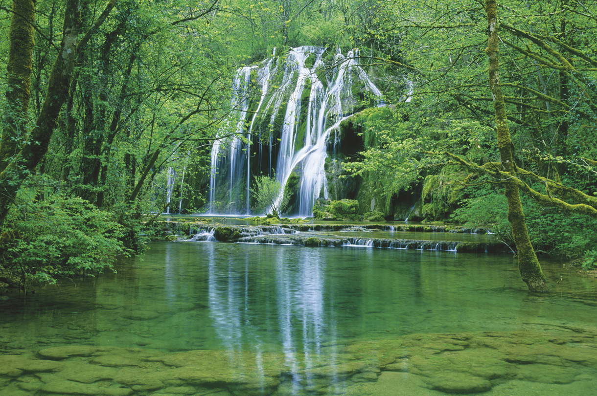 Les plus belles cascades du jura d tours en france for Les plus belles moquettes