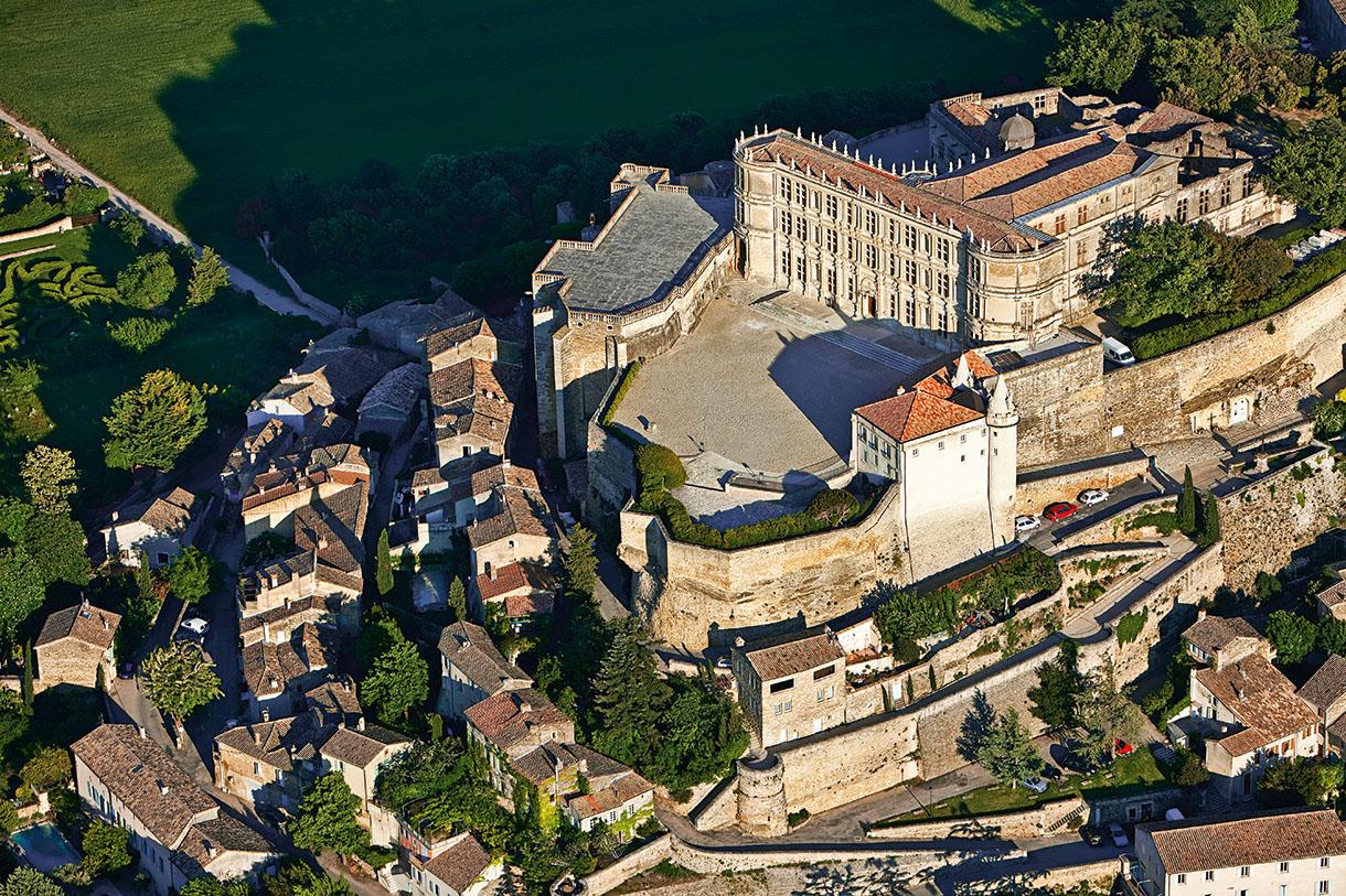 Château de Grignan, un trésor en Drôme provençale - Détours en France