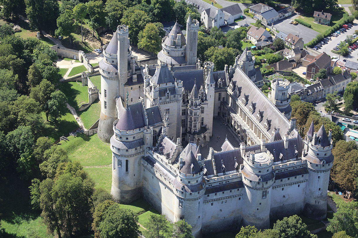 Pierrefonds un r ve de moyen ge d tours en france for Jardins anglais celebres