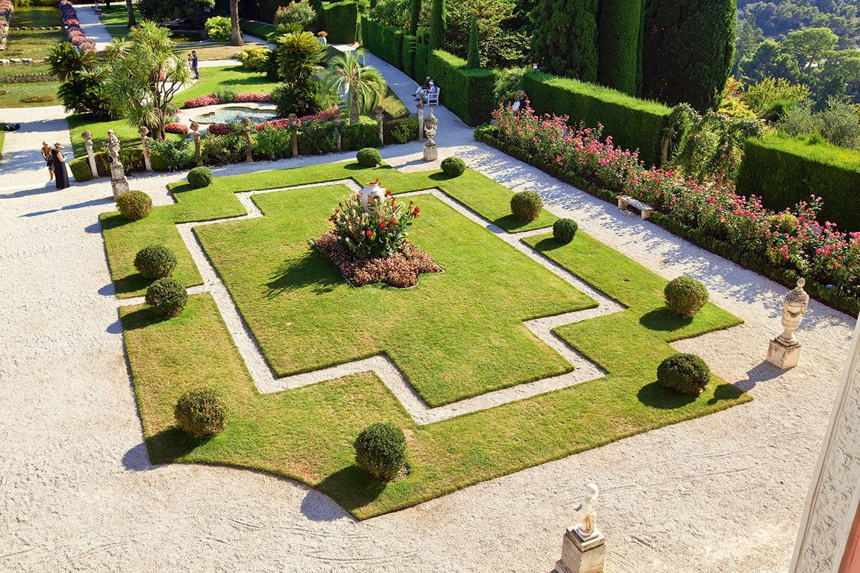 C te d 39 azur villa ephrussi de rothschild un joyau de la for Jardin en france