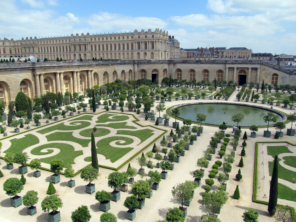 l 39 orangerie de versailles le temple des plantes du soleil d tours en france. Black Bedroom Furniture Sets. Home Design Ideas