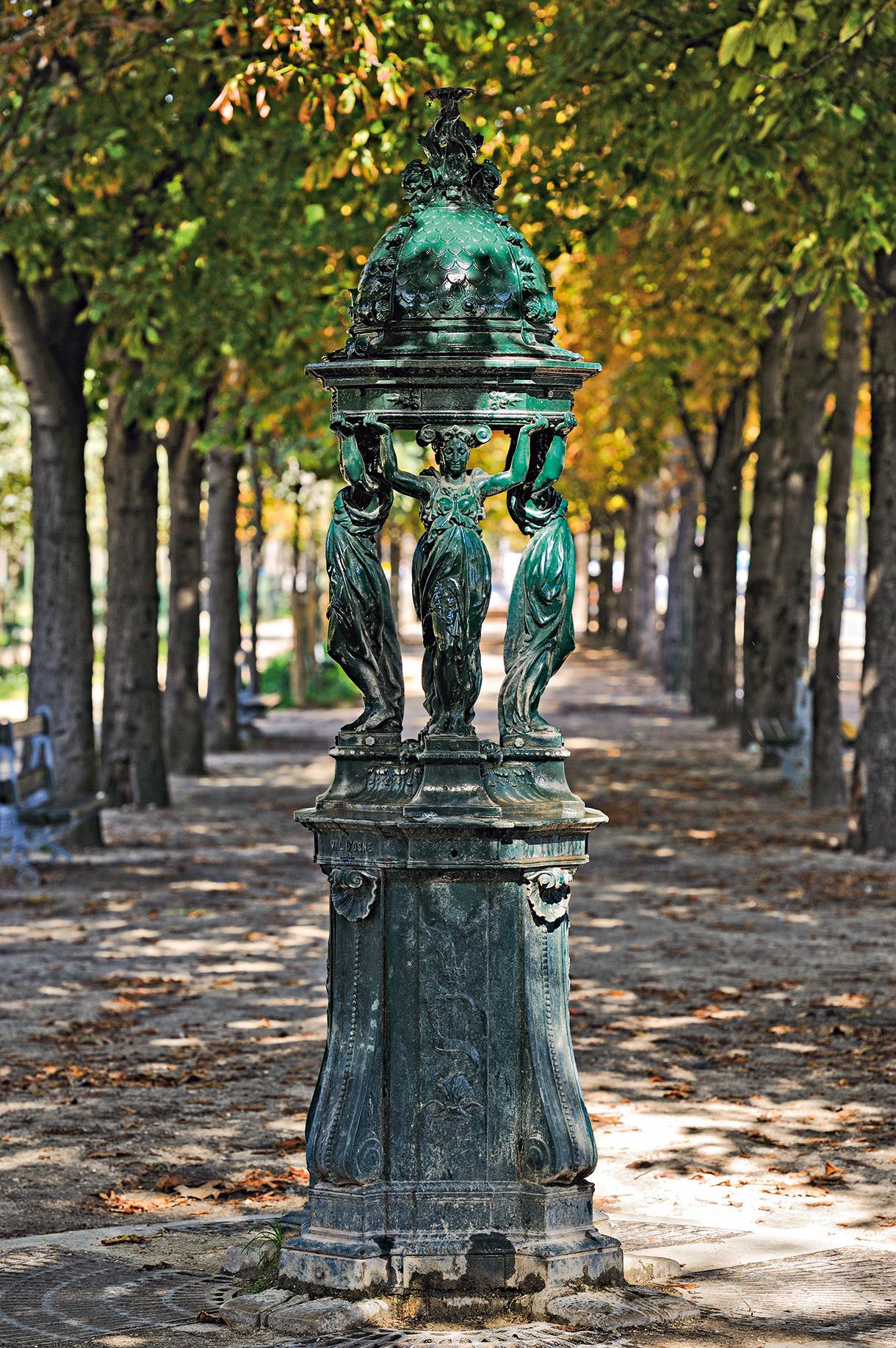 Le mobilier urbain de paris t moin du xixe d tours en for Mobilier paris