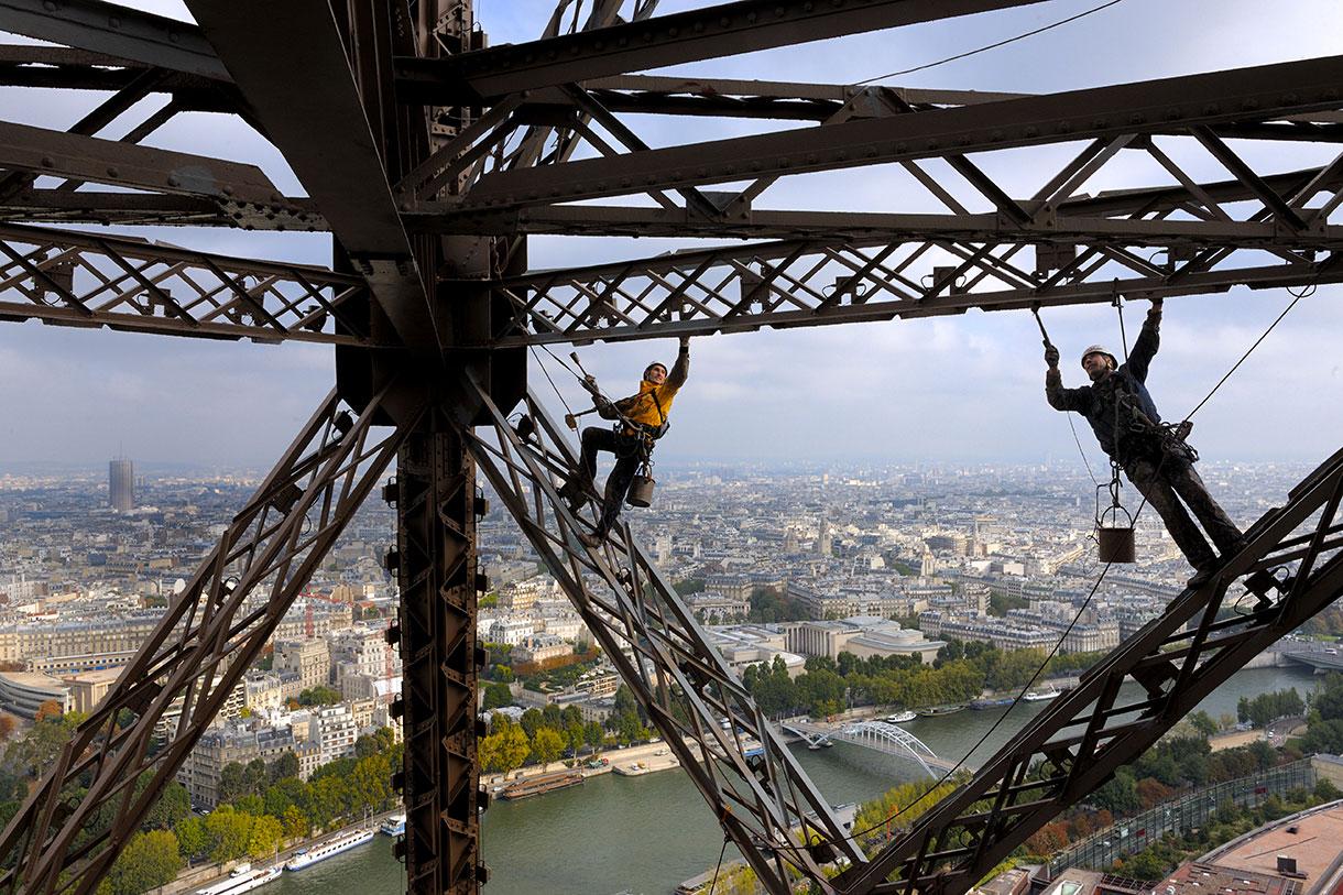 Populaire Les peintres-alpinistes de la tour Eiffel - Détours en France AS28
