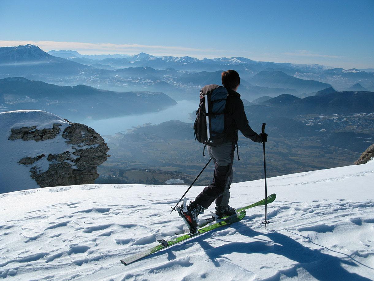 10 activités d'hiver incroyables à faire à la montagne en