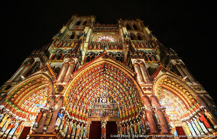 La cathédrale d'Amiens dans son habit de décembre