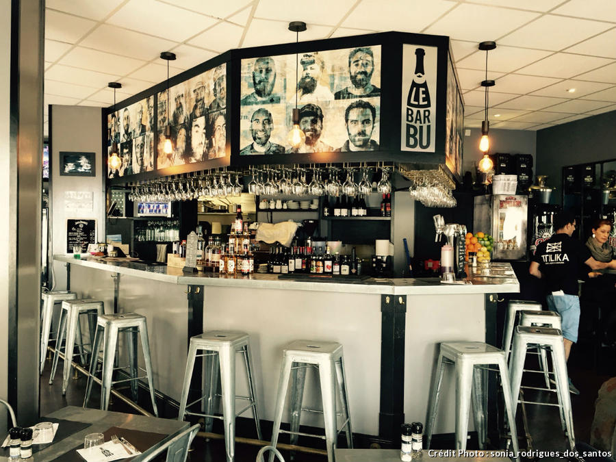 le bar bu à Biarritz