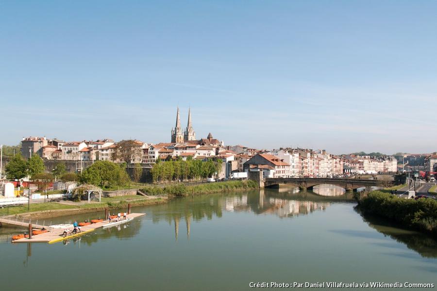 Bayonne une ville tr s sportive d tours en france - Piscine haut de bayonne ...