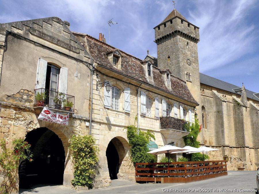 beaumont-du-perigord-place-jean-moulin.jpg