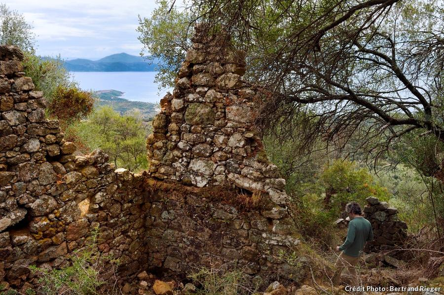 cargese-corse-ruines-de-paomia_br.jpg