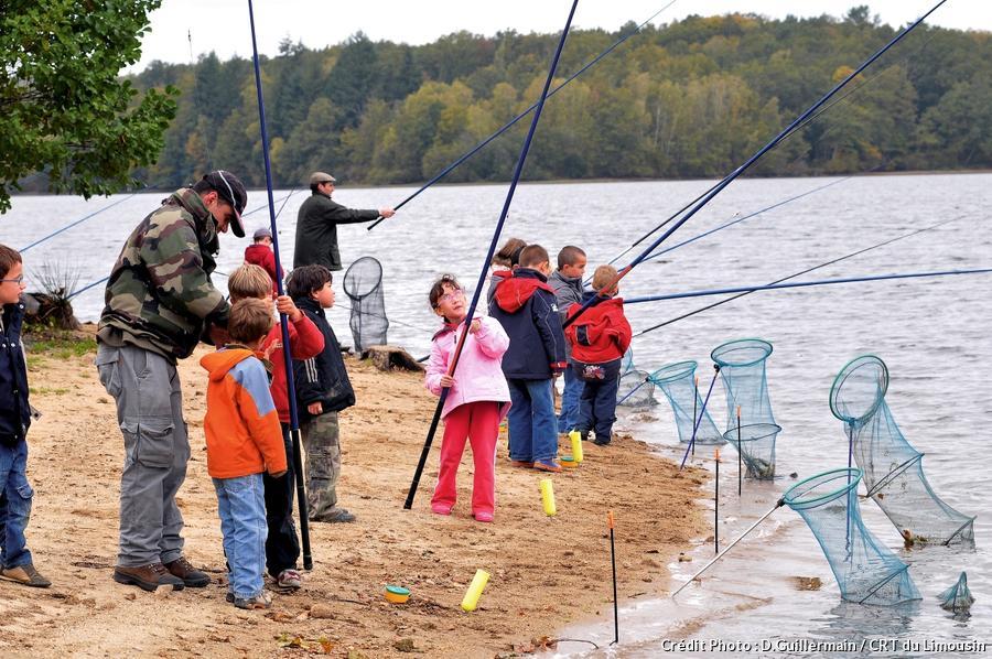 Initiation à la pêche au lac de Vassivière