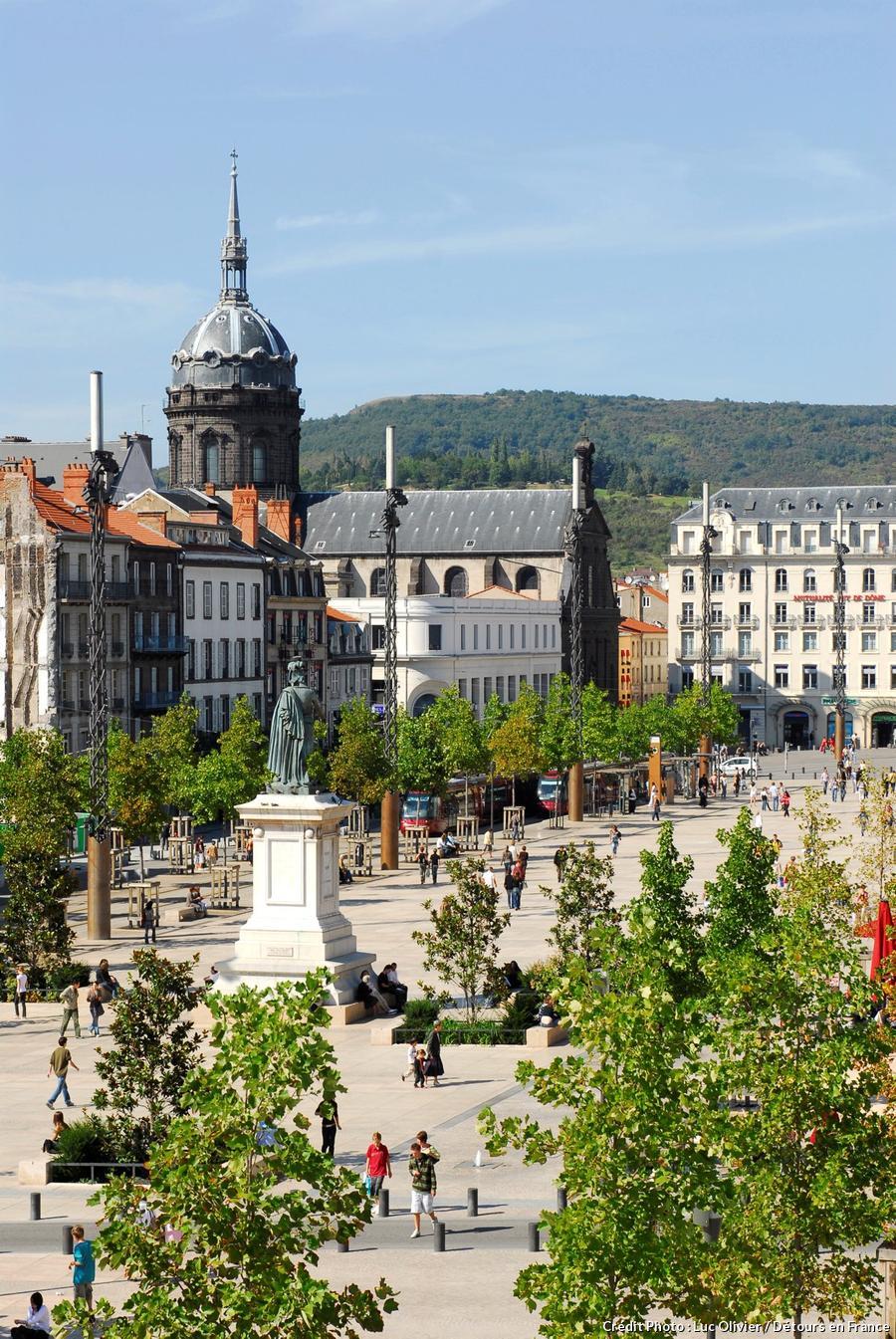 La place de Jaude à Clermont-Ferrand