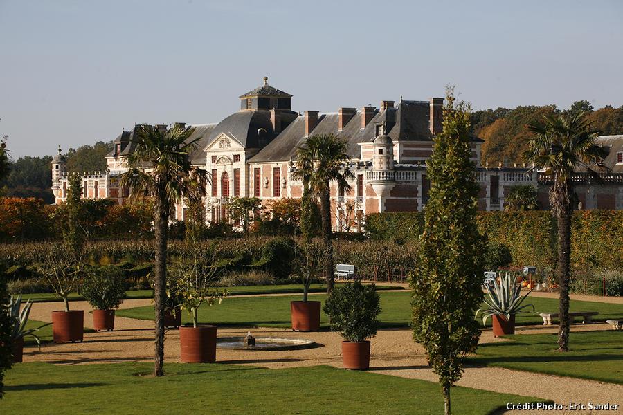 facade du château vue depuis les carrés