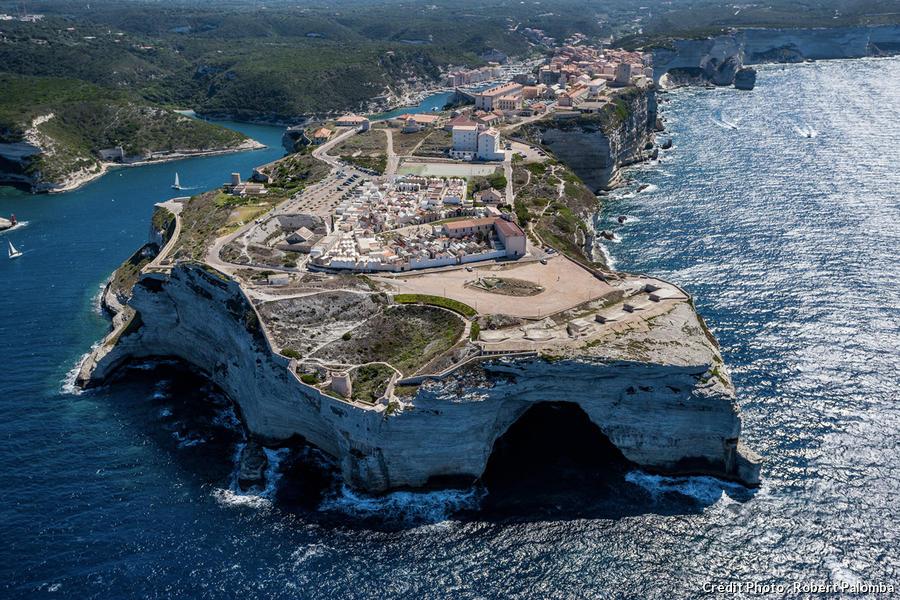 Grotte du chapeau de Napoléon à Bonifacio