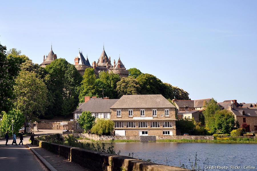 Château et son lac
