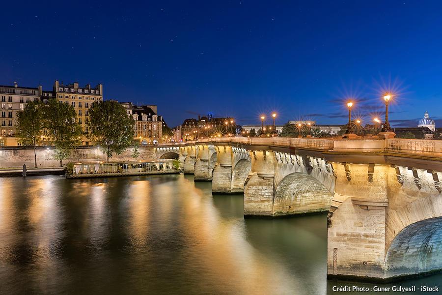 Le pont Neuf de nuit