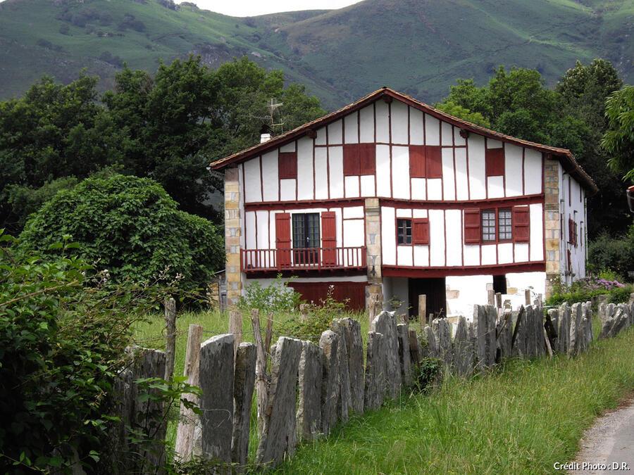 Maison labourdine, à Sare