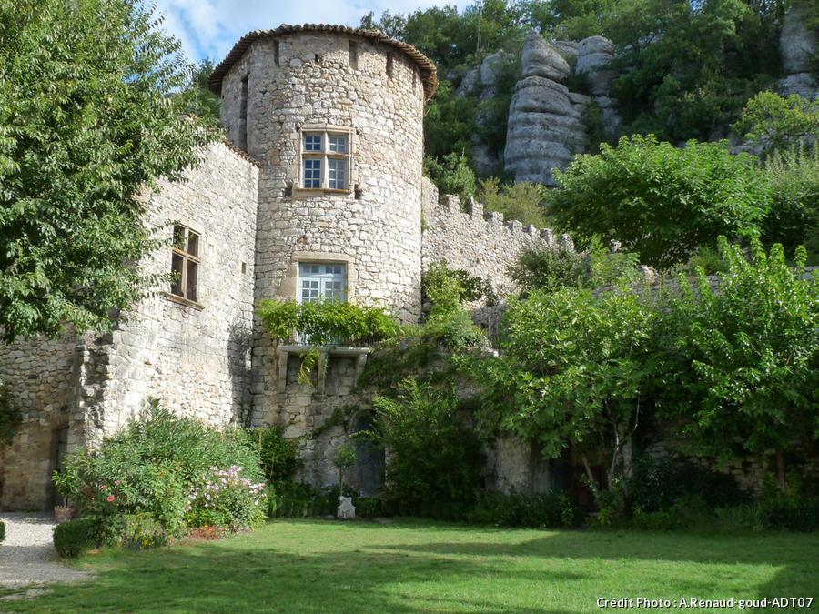 Chateau de Vogüé