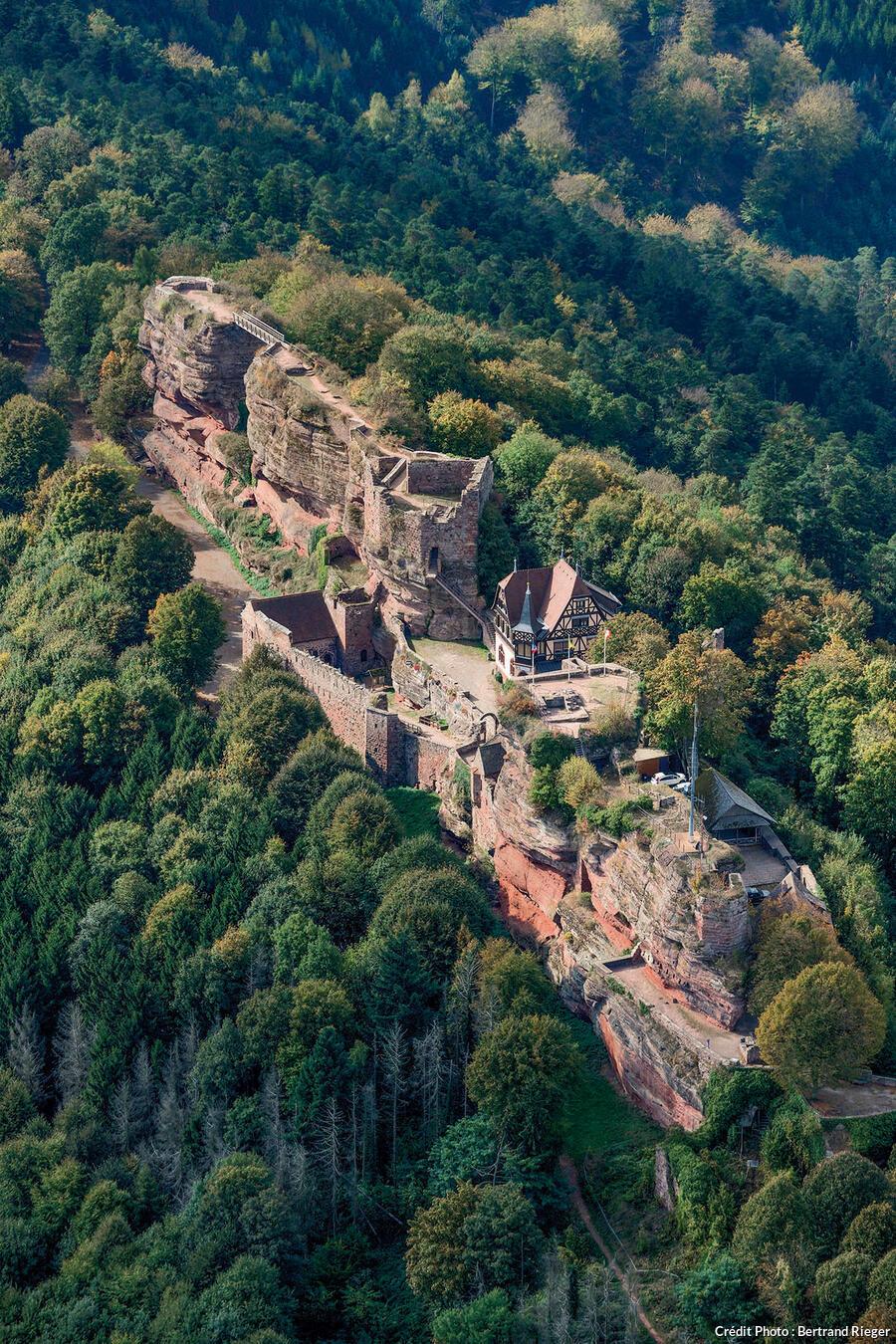 Le château du Haut-barr, la forteresse rouge.