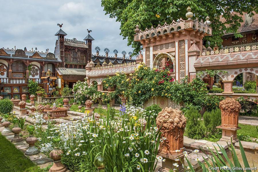 Les jardins secrets au c ur de l 39 albanais d tours en france for Le jardin aux 100 secrets