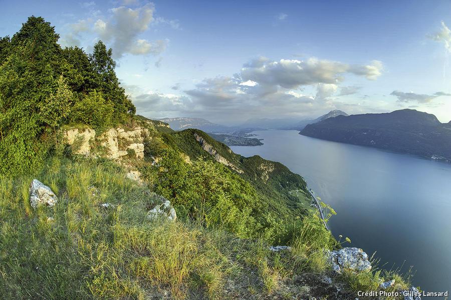 Le lac du Bourget depuis le belvédère de la Chambotte