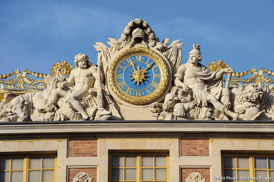 dt_hs-versailles-horloge-br.jpg