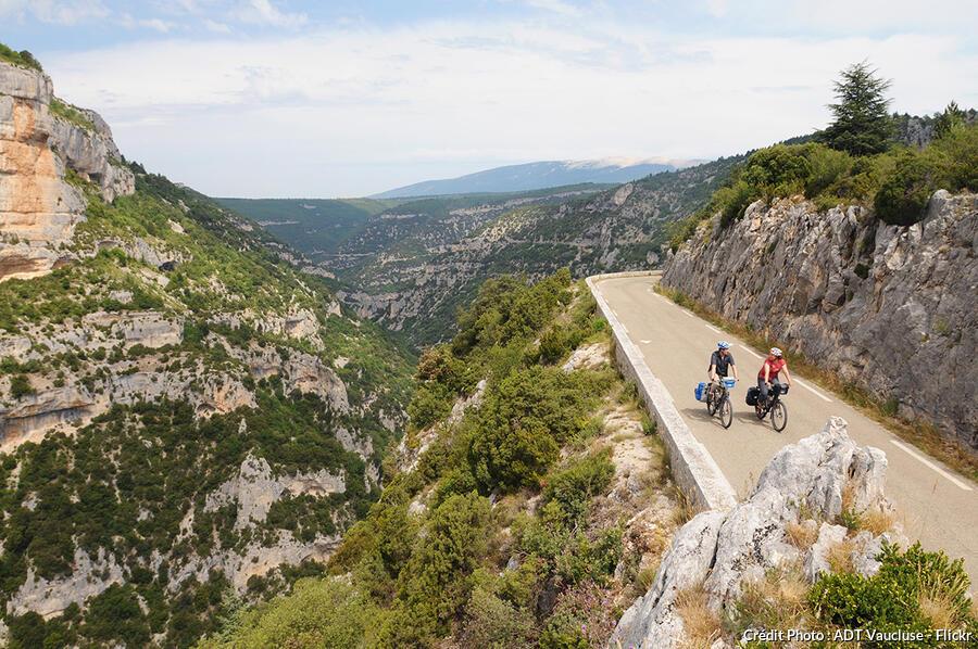 La route des gorges de la Nesque en France
