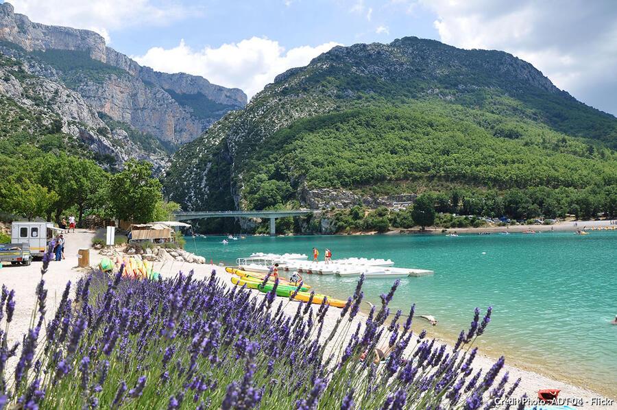 Les plus beaux lacs de france voir en 2018 top 20 for Camping lac de ste croix avec piscine