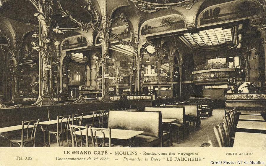 panneaux-expo-chanel grand café