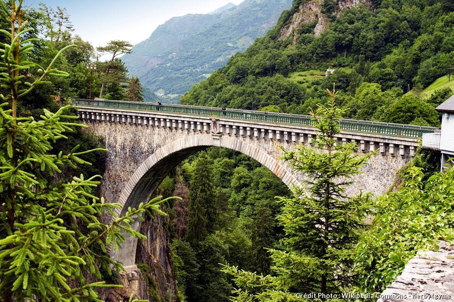 Le pont Napoléon de Luz-Saint-Sauveur