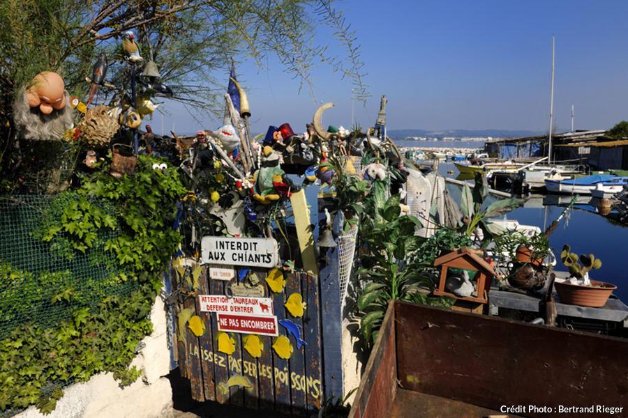 Inscriptions humoristiques dans le quartier de la Pointe Courte à Sète