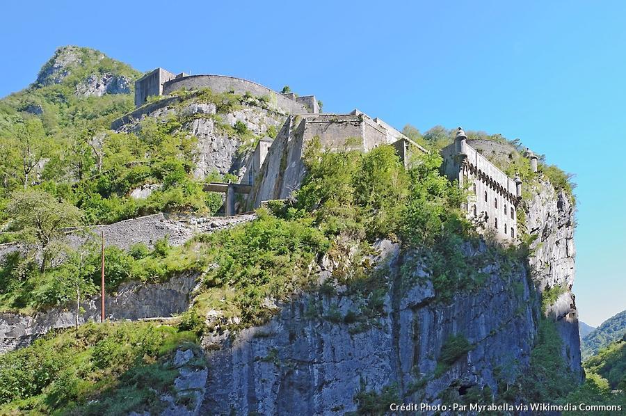 vallee-d-aspe-fort-du-portalet.jpg