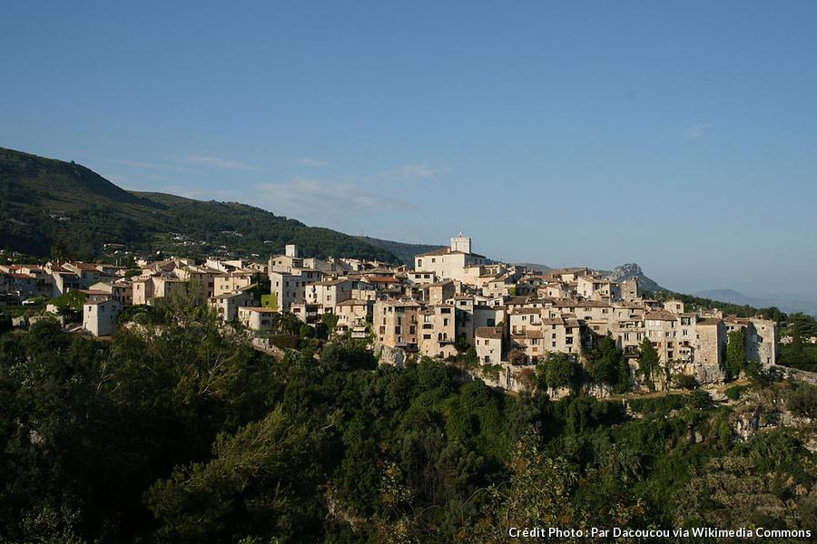 village-perche-tourrettes-sur-loup.jpg