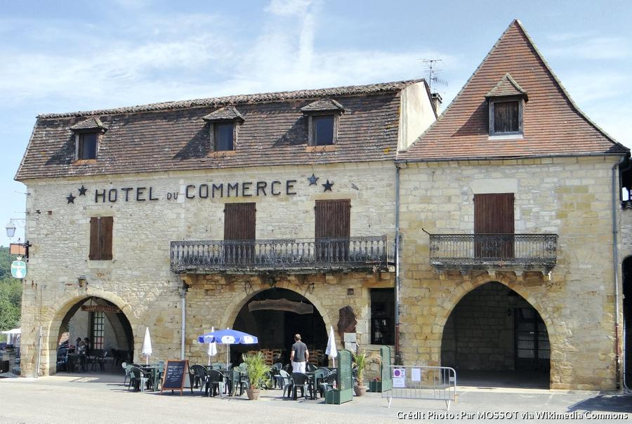 villefranche-du-perigord-maisons-a-arcades.jpg