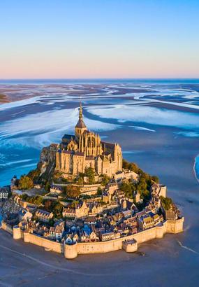 Le Mont-Saint-Michel : dAubert à la Merveille de lOccident