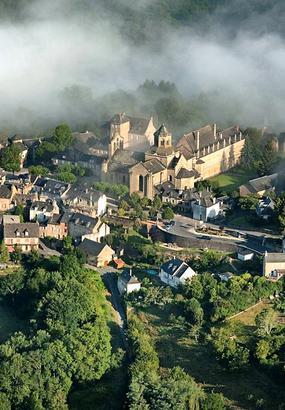 Aubazine en Corrèze, des moines cisterciens à Coco Chanel