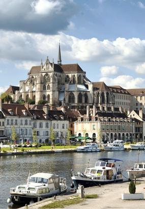 Auxerre, redécouvrez les quais de lYonne