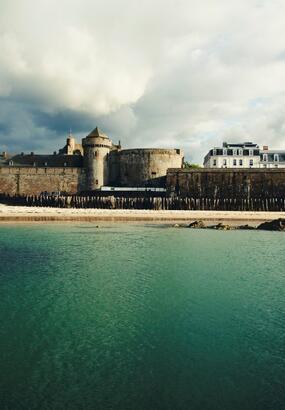 De Saint-Malo au cap de la Hague : un itinéraire littoral