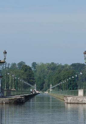 La folle saga du canal de Briare