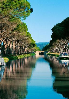 EN KIOSQUE : laventure du canal du Midi, de la « ville rose » à la Grande Bleue