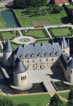 Château de Bussy-Rabutin : palais dun libertin en exil