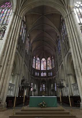 La cathédrale de Troyes : laube des vitraux