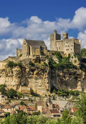 Beynac-et-Cazenac, en sentinelle sur la vallée de la Dordogne