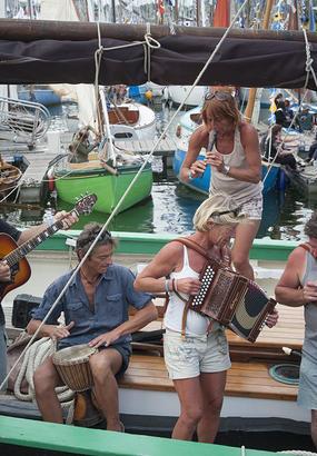 Ecoutez les chants de marin : au cœur du festival de Paimpol