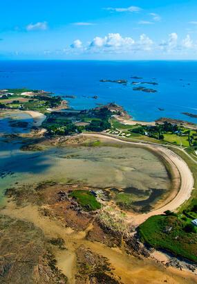 Trois îles à pied sec en Bretagne : Callot, Les Ébihens, Berder