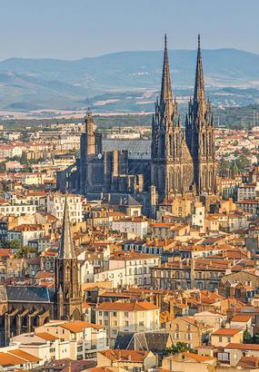 Clermont-Ferrand : la cathédrale Notre-Dame-de-lAssomption