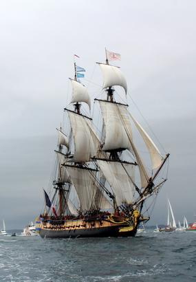 Top 5 des plus beaux bateaux des fêtes maritimes de Brest
