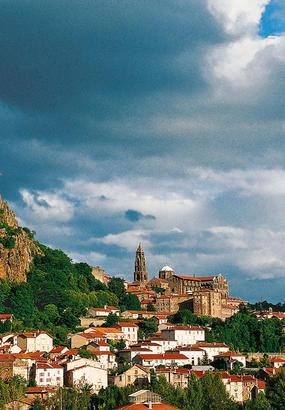 Compostelle : du Puy-en-Velay à Saint-Privat-dAllier