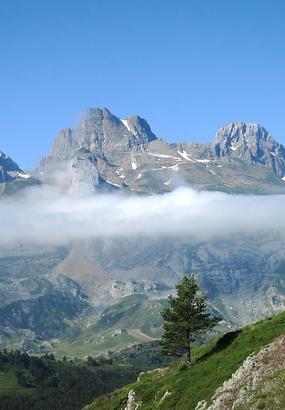 La vallée dAspe : sur la route de lEspagne