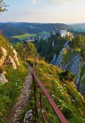 Beauté sauvage de la vallée du Doubs en Franche-Comté