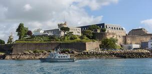 Brest et son port : la mer au sens large